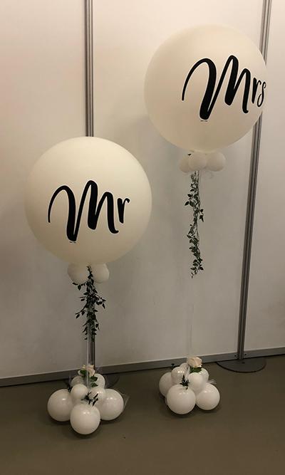 Mr&Mrs balloons